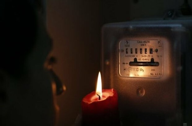 Дніпряни, терміново заряджайте гаджети: де не буде світла