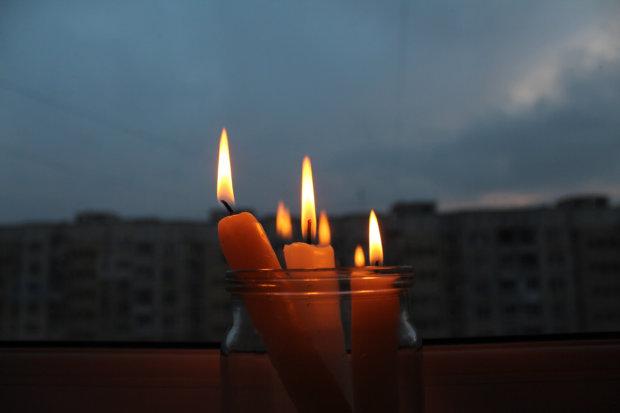 Завтра по всей Одессе отключат свет: полный список адресов