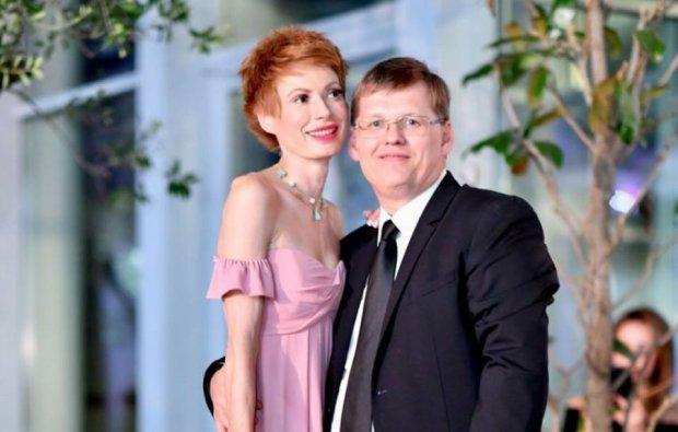 """Розенко """"вигуляв"""" наречену на Одеському кінофестивалі, українці в істериці: """"Головний герой фільму для дорослих"""""""