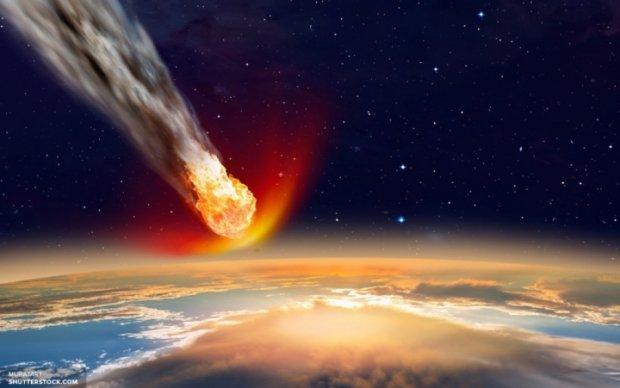Гигантская комета в апреле подойдет к Земле, запасаемся биноклями