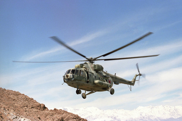 Переповнений військовими вертоліт розбився на кордоні ворогуючих країн: є жертви