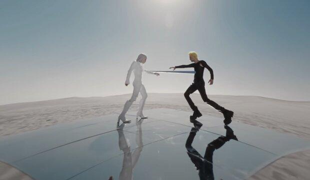 Макс Брських та  ZIVERT, скріншот із відео