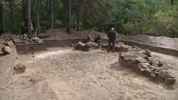 Это может переписать историю: на Хортице раскопали загадочное захоронение, ученые сделали сенсационное заявление