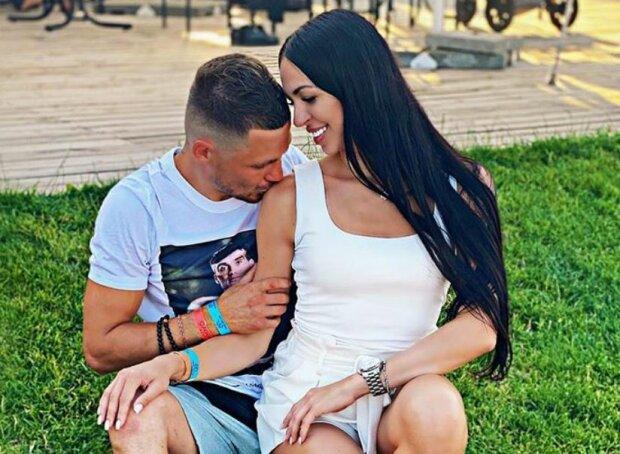 Боксер Беринчик вместе с женой, фото Instagram