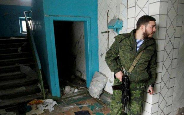 Ледве вижив: звільнений із полону суддя викрив звірства бойовиків