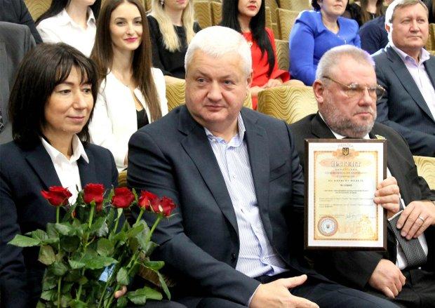 """Голова Дніпропетровської поліції, який нацькував КОРД на чесний патруль, виявився шанувальником """"совка"""": """"Ви там знущаєтесь?"""""""