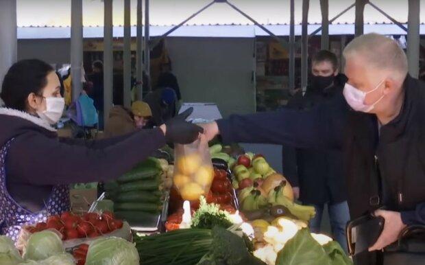 работа рынка, скриншот из видео