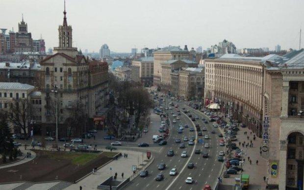 У Києві перекриють рух транспорту по Хрещатику: розповідаємо чому