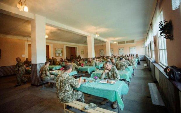 Чим годують українських воїнів: експертиза підтвердила найгірше