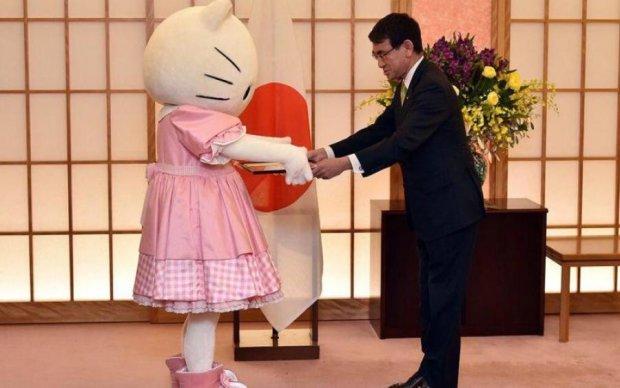 Японський міністр доручив важливу місію Пікачу та Hello Kitty. Серйозно!