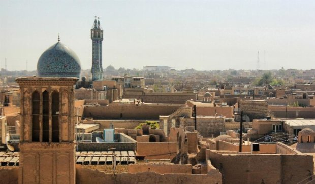 Іран просить країни ОПЕК зменшити видобування нафти
