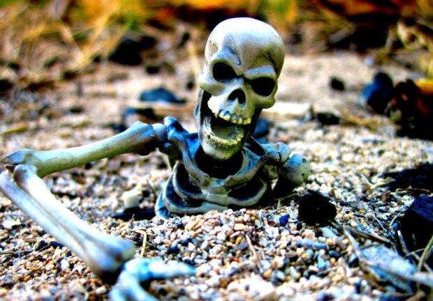 Таємниця озера скелетів: гірські вершини приховували неймовірне, 500 смертей – тільки початок