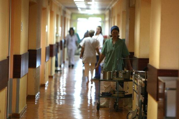 Во Львове расследуют массовое отравление, алкоголь здесь ни при чем: что уложило людей на больничные койки
