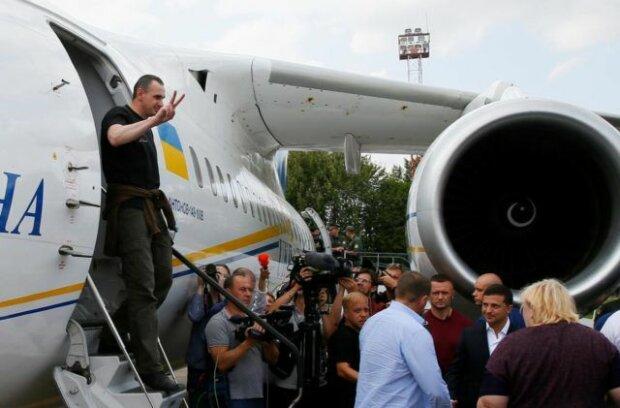Вырвался живым из лап Путина: моряк Андрей Оприско вернулся в Украину, родной Львов готовится к встрече