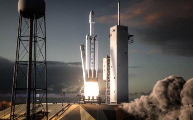 Послання інопланетянам: разом з Falcon Heavy полетів таємний вантаж