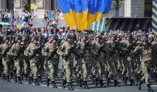 На параде ко Дню Независимости не будет военной техники