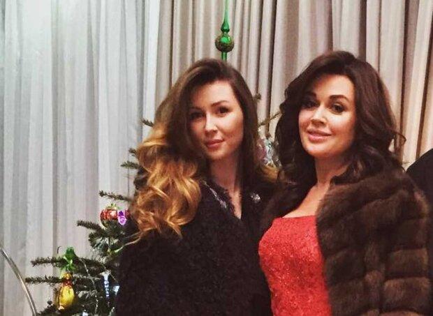 Анастасия Заворотнюк с дочерью Анной, скриншот: Instagram