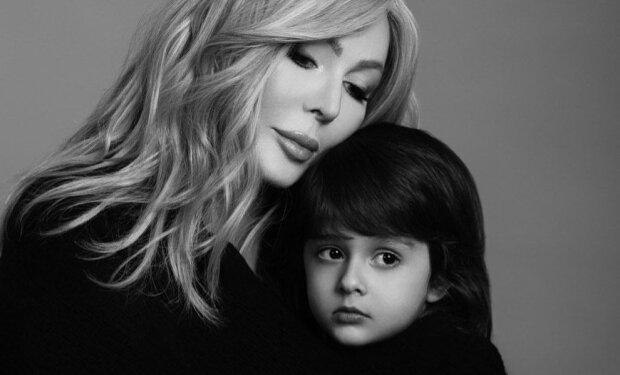 """Билык очаровала фотосессией с сыном Табризом, подрастает красавчиком: """"Милый малыш и шикарная мама"""""""