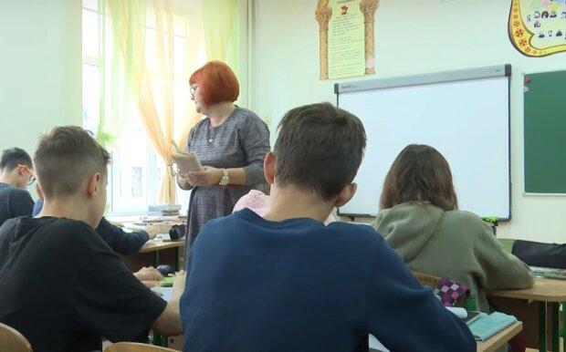 Черговий перерахунок зарплат в Україні: хто отримає додаткові 1300 гривень