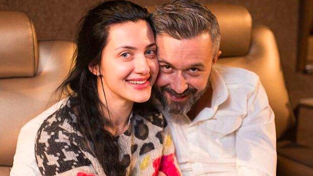 Снежана Бабкина показала, как Сергей играет с новорожденным Елисеем: эти ножки растрогают каждого