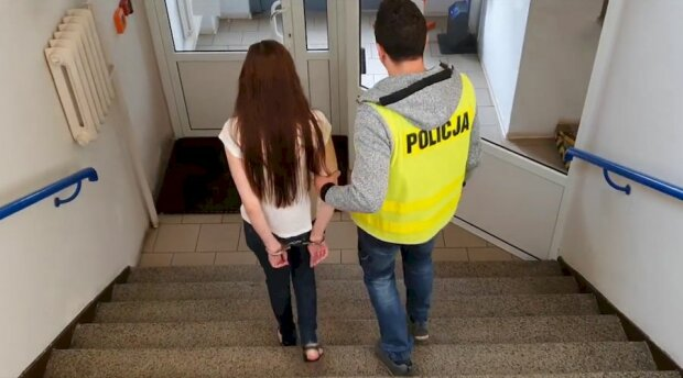 Українка облила бензином ТЦ в Польщі і чиркнула запальничкою - втомилася гнути спину на заробітках