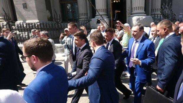 """""""Слуга народа"""" идет в Раду: эксперты оценили шансы партии Зеленского"""
