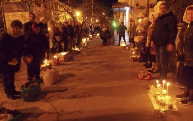 Севастопольцям на великодній службі читали Євангеліє українською