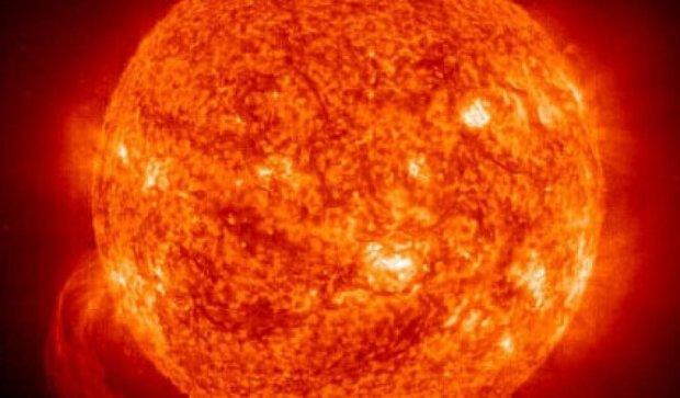 Космічна агенція зняла грандіозний вибух на Сонці (відео)