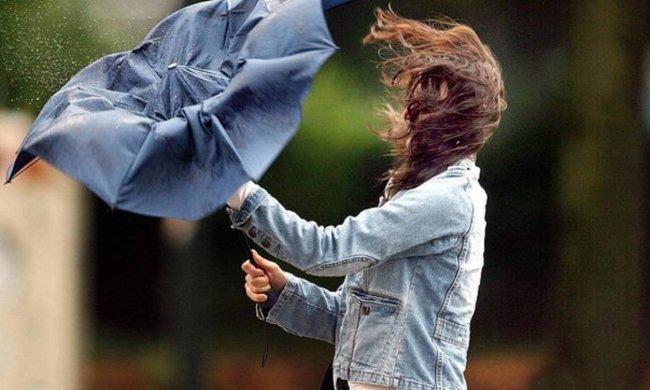 Погода у Києві на 29 червня: потужний вітер зіпсує зачіски українців, спека йде в затінок