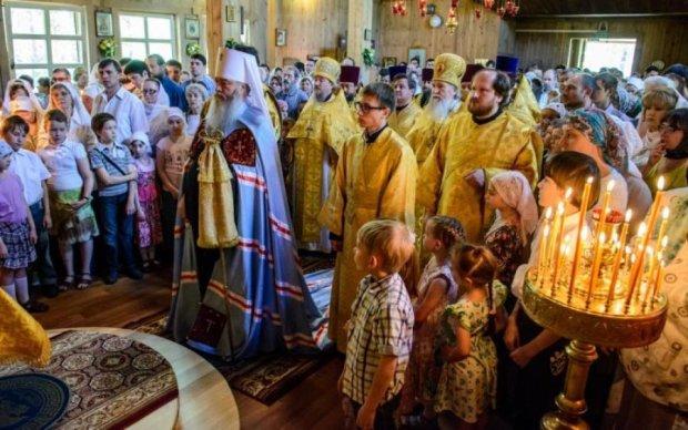 Душу спасти, миллион заработать: украинские политики начали покупать... церкви