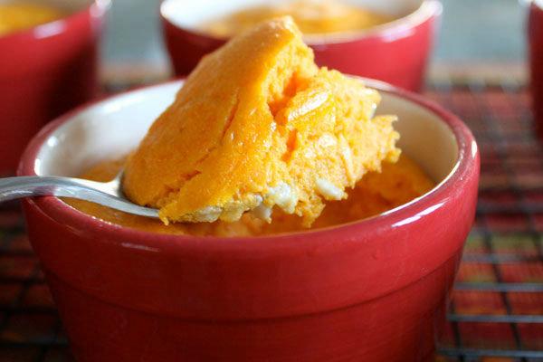 Корисний десерт на всі випадки життя: солодке морквяне суфле