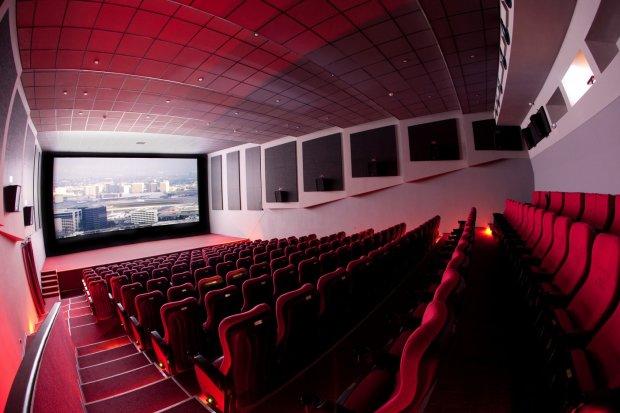 ''Украли даже мыльницы'': наглые воры обчистили киевский кинотеатр, но не учли одну деталь