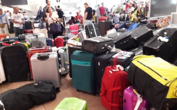 Один из крупнейших аэропортов Европы поглотил багажный хаос