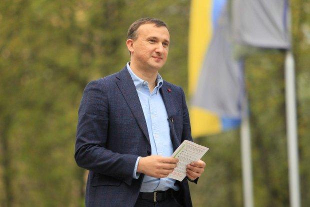 Где Владимир Карплюк взял $1 млн на рекламу и подкуп избирателей?