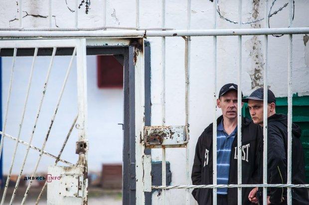 Из оккупированного Донецка вывезли 13 осужденных украинцев