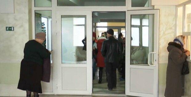 """В Тернополе судят двоих врачей, """"убивших"""" диагнозами маленького ангелочка"""