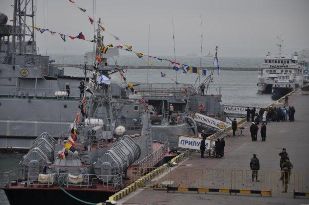 Український корабель несподівано відкрив вогонь у Чорному морі: що відбувається
