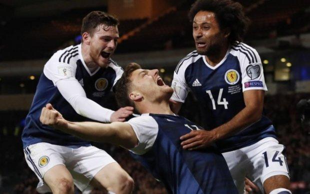 Футбольный фанат из Шотландии сдержал обещание и сделал тату на заднице