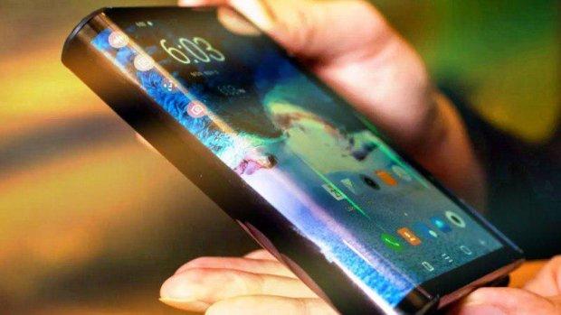 Гибкий Samsung Galaxy F показали со всех сторон: фото
