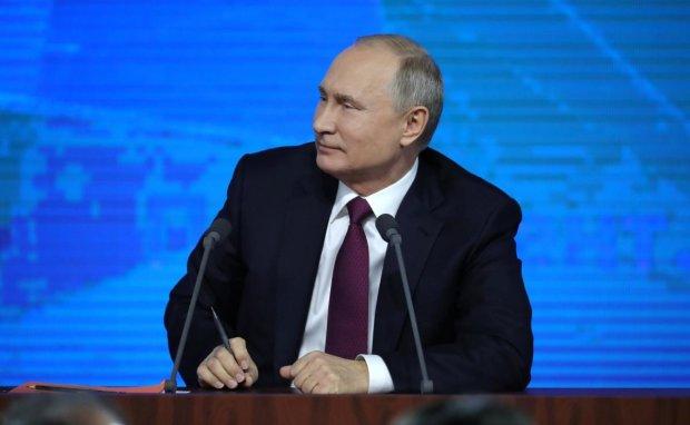"""Путин пытается повторить 2014 год: Россия подняла всю авиацию и технику, Украина готова """"встретить"""""""