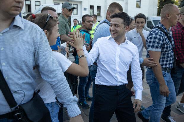 Зеленский отдаст судьбу Украины в руки народа: гарант удивил новой инициативой