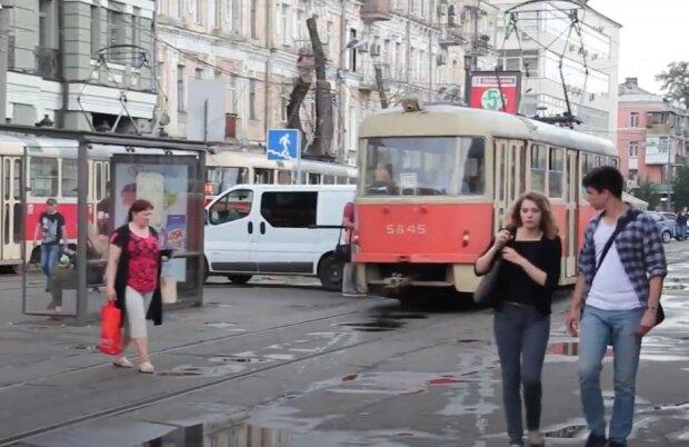 Трамваї на Подолі, скріншот
