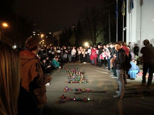 Гандзюк убили, назовите имена заказчиков: прямо сейчас под зданием МВД творится что-то невероятное, эксклюзивные кадры