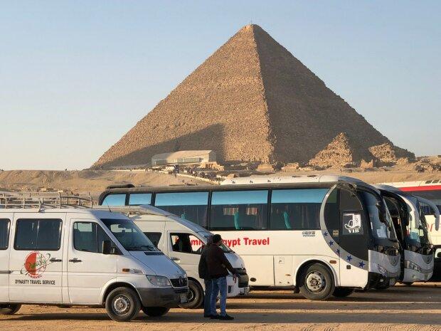 """Библейские """"всадники Апокалипсиса"""" мчатся на Египет - сбываются страшные пророчества?"""
