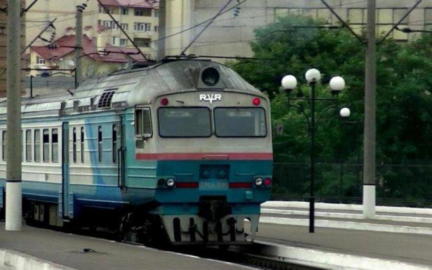 Блокировка поездов на Львовщине: Укрзализныця расставила все точки