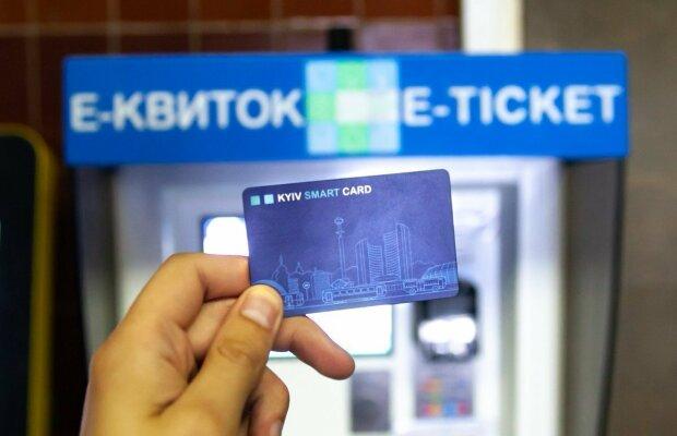 Е-билет в Киеве дал сбой: что происходит и как теперь расплатиться в транспорте