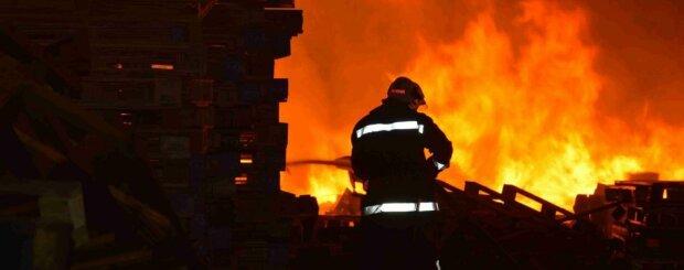 В спальном районе Киева прогремел взрыв: видео и первые подробности
