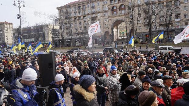 Депутати вимагають від Кличка повернути киянам гроші за комуналку: кожній родині – по 2 тисячі гривень
