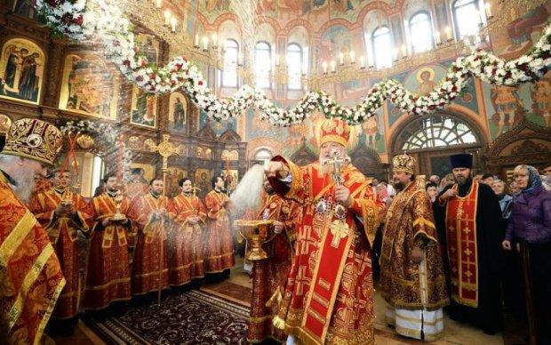 Московські попи віджимають храм у немирівців