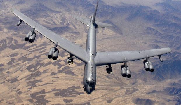 Легендарні американські бомбардувальники B-52 отримають друге життя: ще могутніше і жахливіше